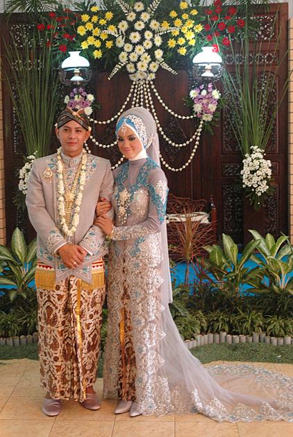 Pengantin Muslim Oci 002 Roemah Rias Arnie Suryo
