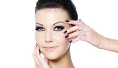 204707_ilustrasi-make-up_663_382